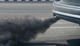fumée noire voiture